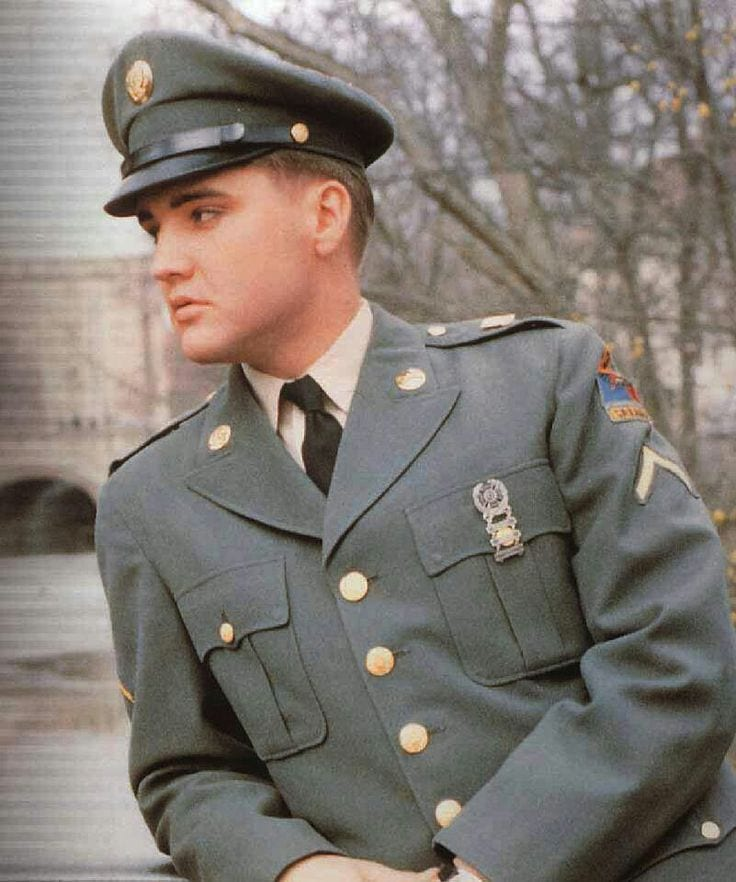Elvis: Man In Uniform